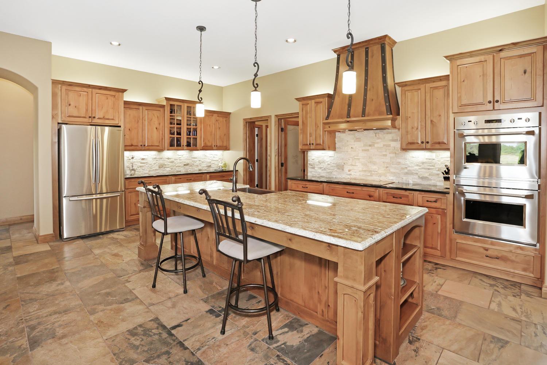 123 Anywhere St Clearwater KS-large-012-12-Kitchen-1500x1000-72dpi.jpg
