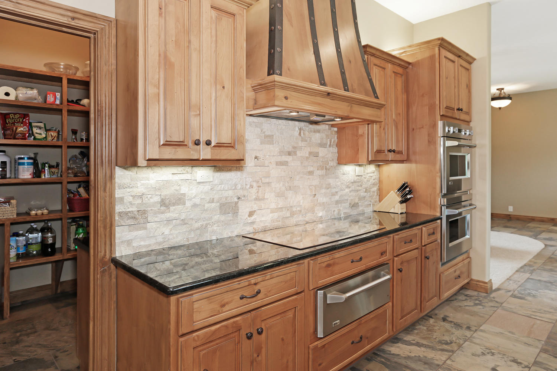 123 Anywhere St Clearwater KS-large-014-14-Kitchen-1500x1000-72dpi.jpg