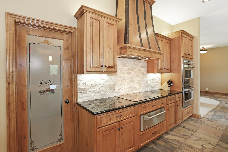 123 Anywhere St Clearwater KS-large-015-15-Kitchen-1500x1000-72dpi.jpg