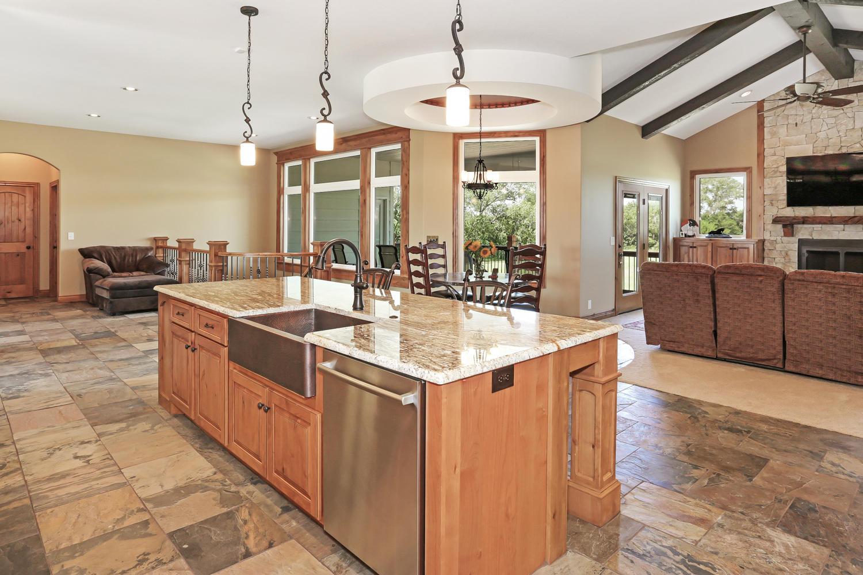 123 Anywhere St Clearwater KS-large-016-16-Kitchen-1500x1000-72dpi.jpg