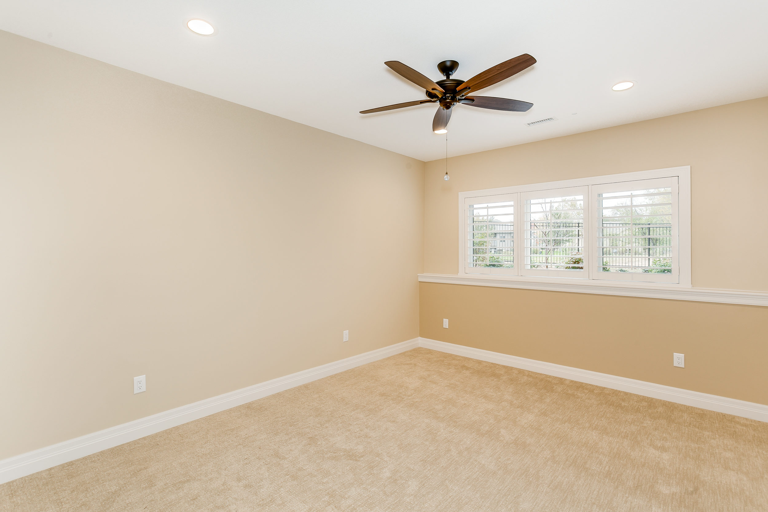 546 Anywhere St Wichita KS-print-049-40-Bedroom 4-2500x1667-300dpi.jpg