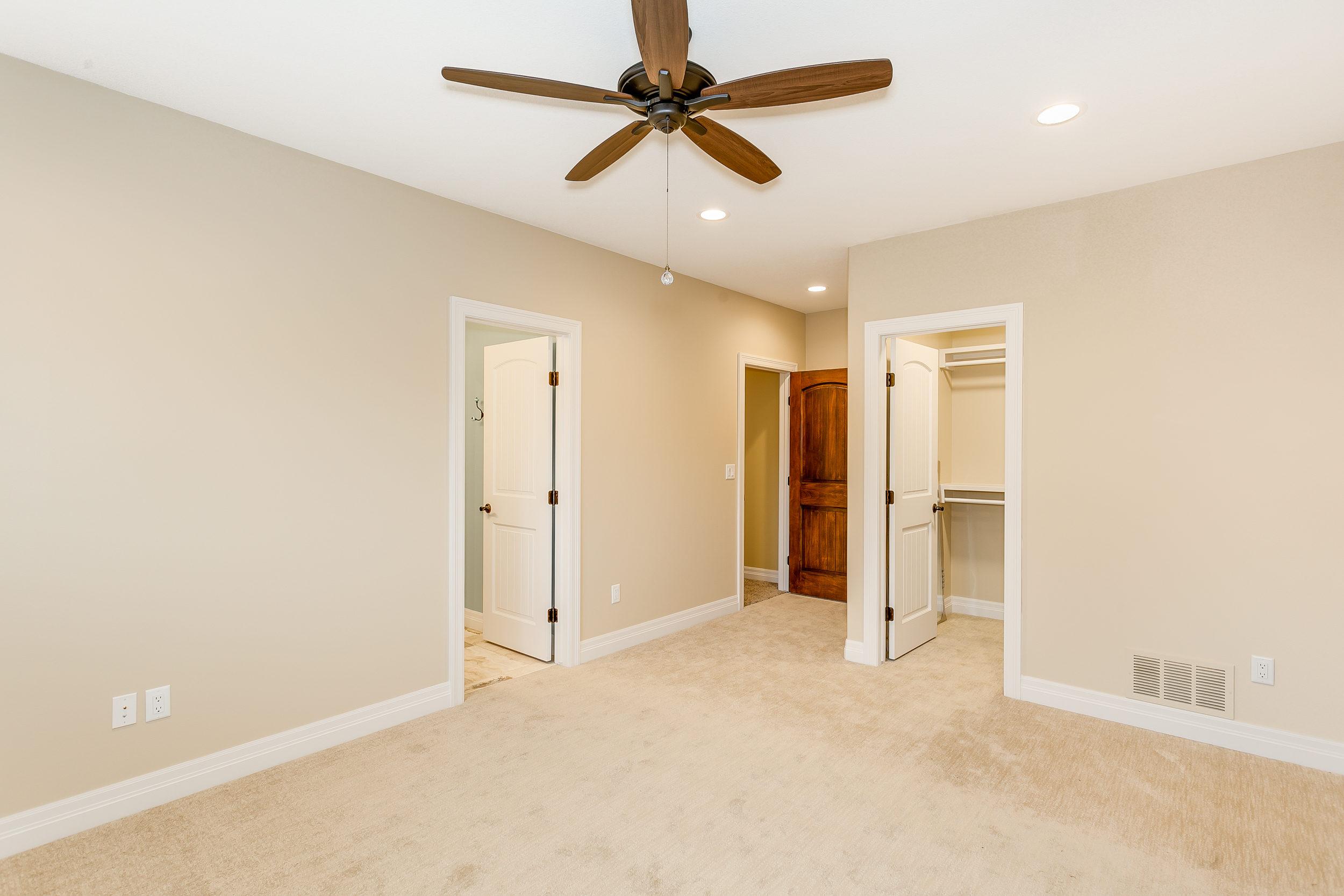 546 Anywhere St Wichita KS-print-050-42-Bedroom 4-2500x1667-300dpi.jpg