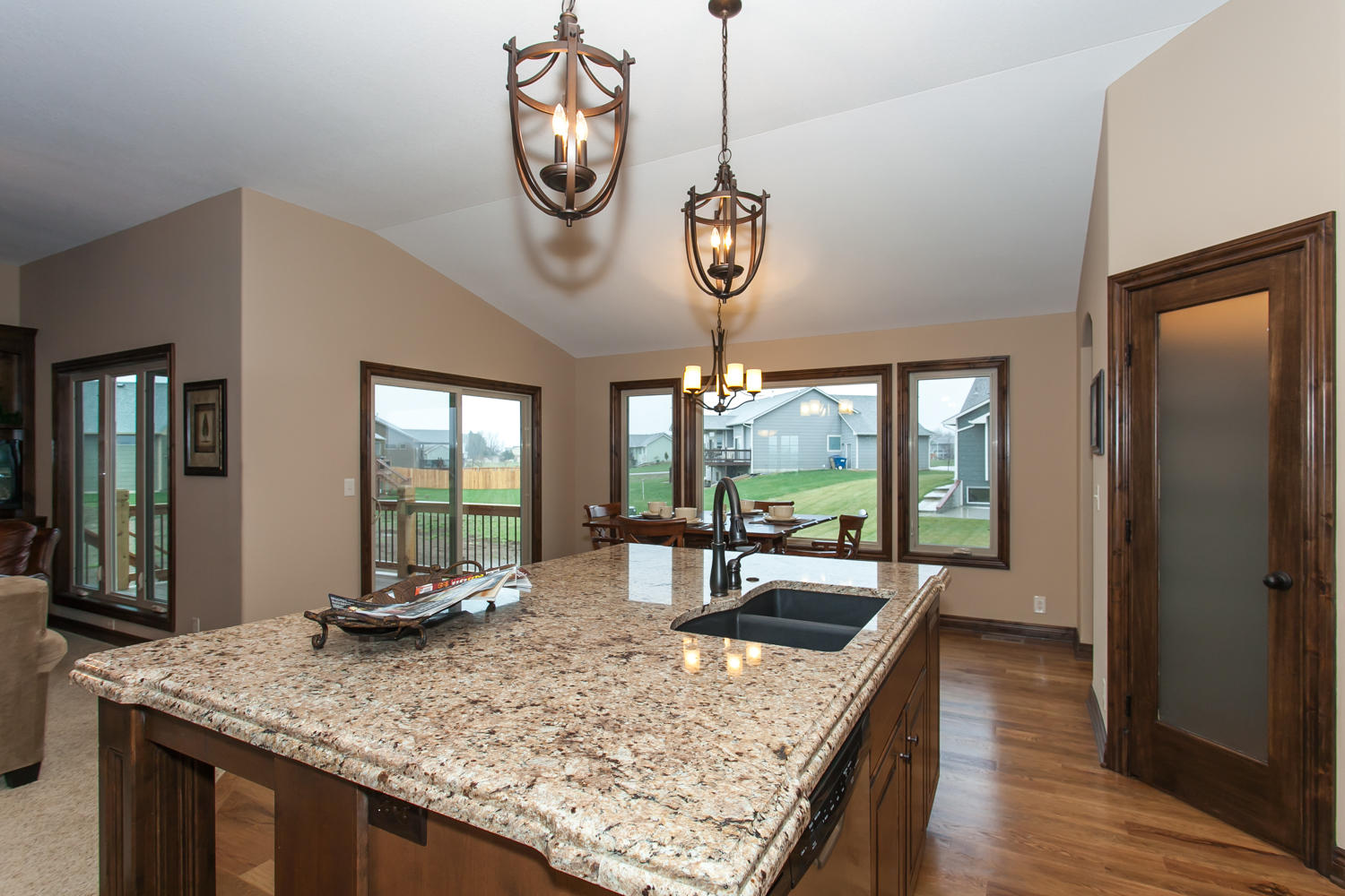 14706 W Valley Hi-large-010-10-Kitchen and Dining-1500x1000-72dpi.jpg
