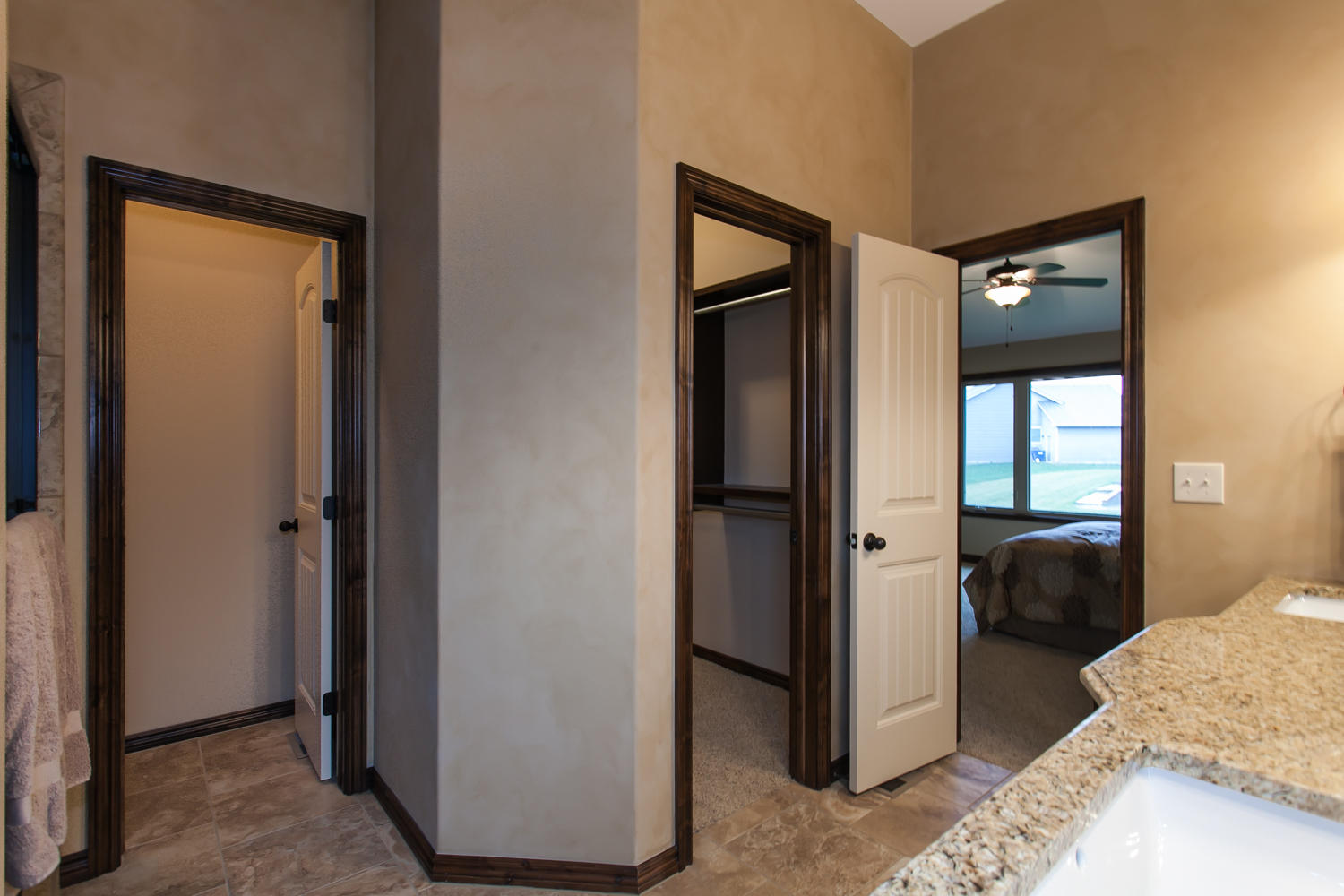 14706 W Valley Hi-large-016-16-Master Bath-1500x1000-72dpi.jpg