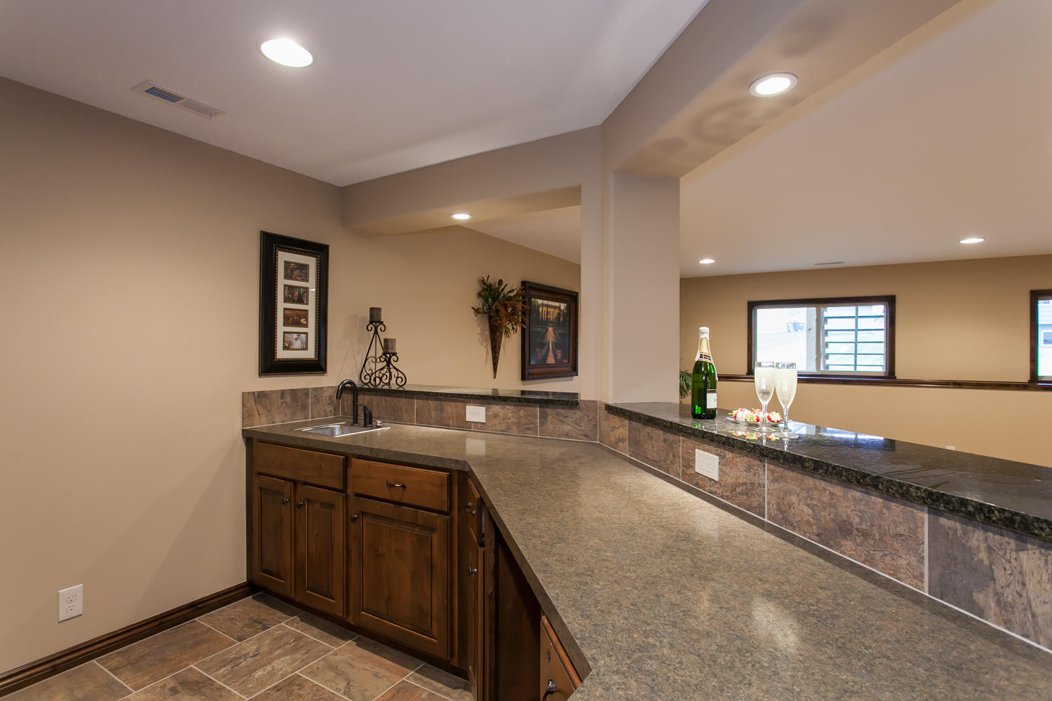 14706 W Valley Hi-large-024-24-Wet Bar-1500x1000-72dpi.jpg