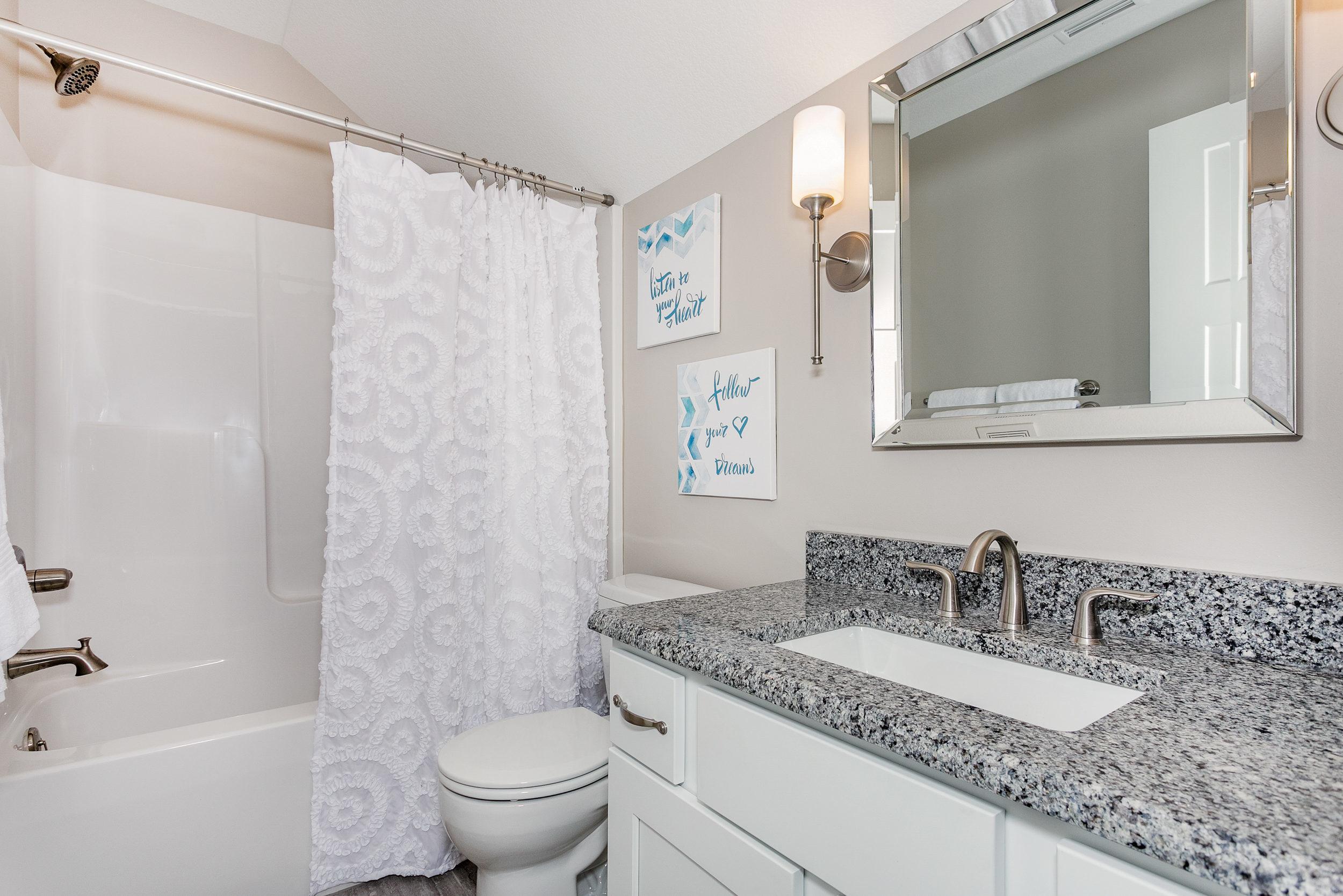 14707 W Moscelyn Goddard KS-print-030-32-Bathroom-2500x1667-300dpi.jpg
