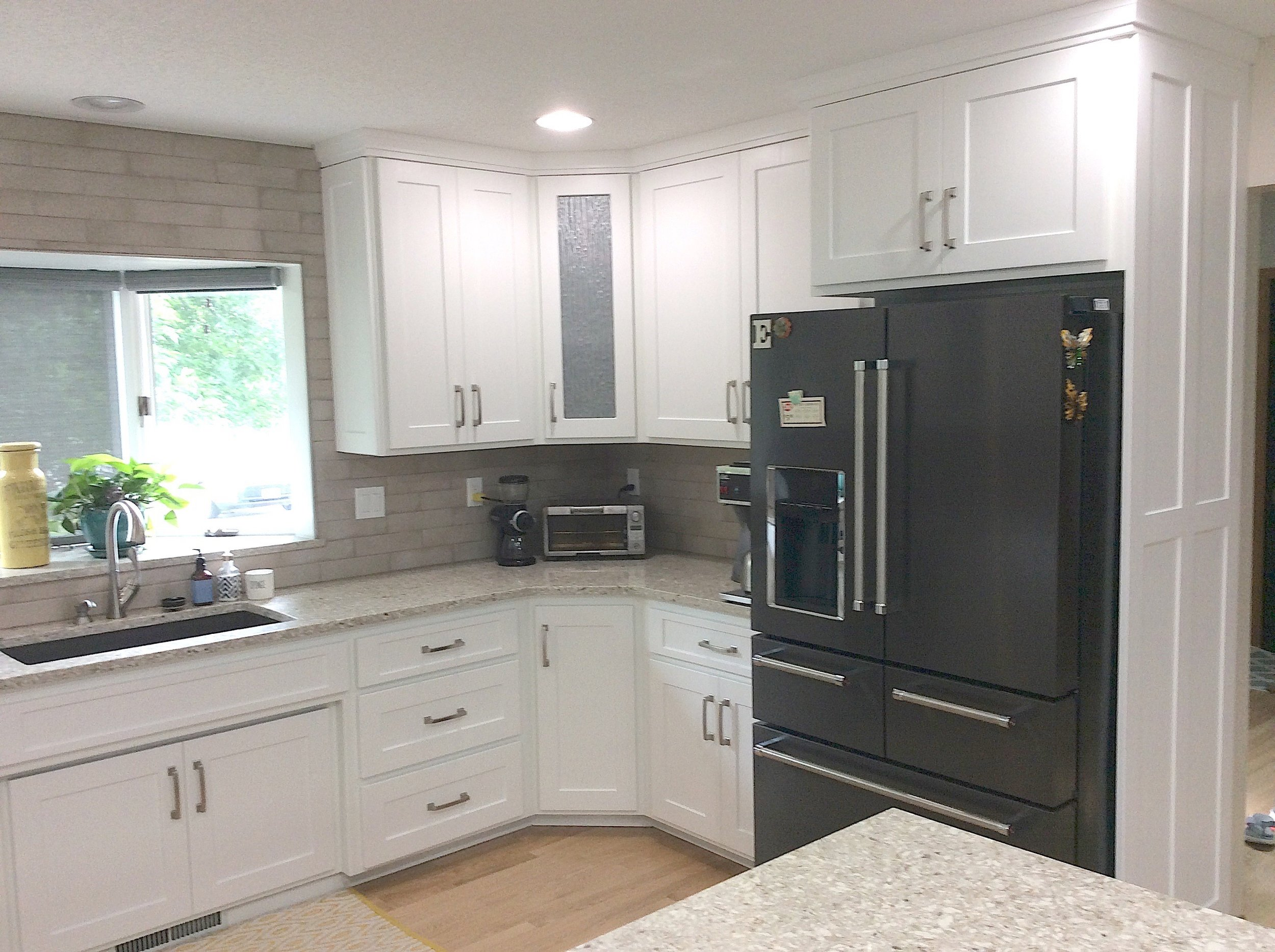 Good-bye '80s kitchen - Shawn E., West Fargo, N.D.This is the way to take your 80's kitchen to a modern look. Very happy and impressed with our kitchen project!!