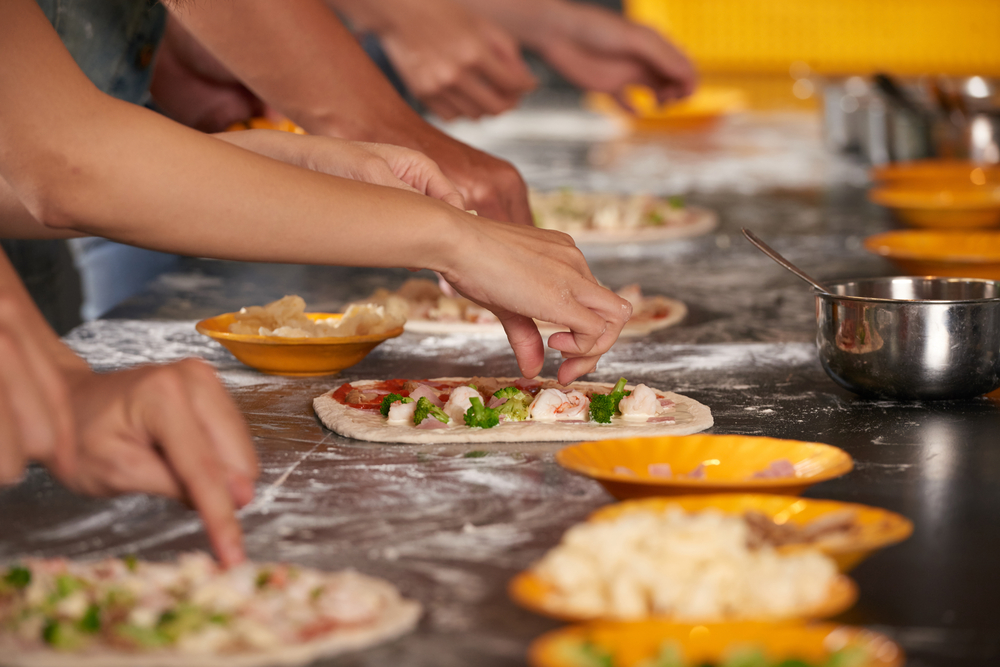 Consumer Class   Geared toward both the experienced home chef and the kitchen newcomer, our consumer classes offer a fun traditional experience cumulating in a family style meal to finish the class. Our chefs will work through simple recipes that will provide easy-to replicate results for perfect pizzas in a home oven.