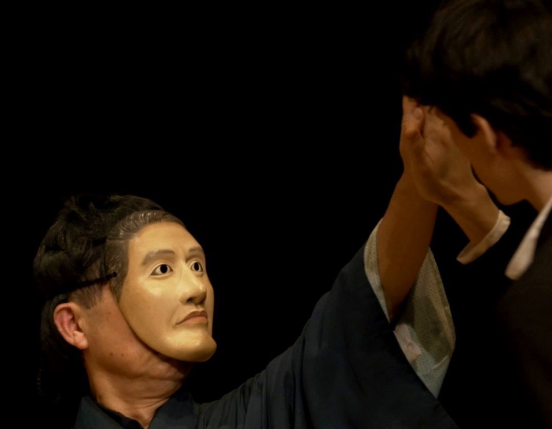 Akira Matsui performing in Part Three of Opposites-InVerse with Peter Leung (still shot taken from the LSO Performance archive footage. 2017)