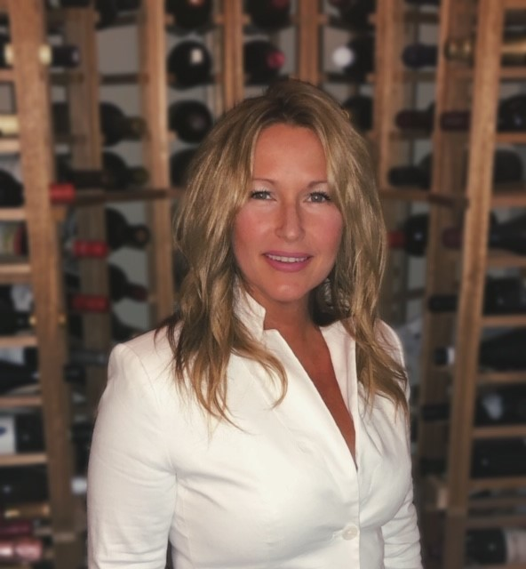 GINA DELLAVEDOVA, 7.19.19 - Gina DellaVedova has been working in the wine industry in Texas for 22 years. She fell in love with importing in the early 2000s, at one point working the entire western half of the US. In 2012, she accepted a position with Winebow and currently represents the Southern Region.