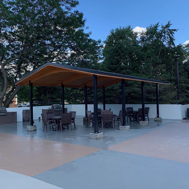 Just in time for the weekend! Finished the new covered shelter at the Edina Towers today! It was a busy week with some amazing team work, so proud of everyone's efforts! #CroweConstruction #Construction #EdinaTowers #Edina #DontLetTheRainGetYouDown #TeamWork #AllHandsOnDeck #Patio #CoveredShelter #Amenities #PartyReady #WorkingForTheWeekend #FriYay