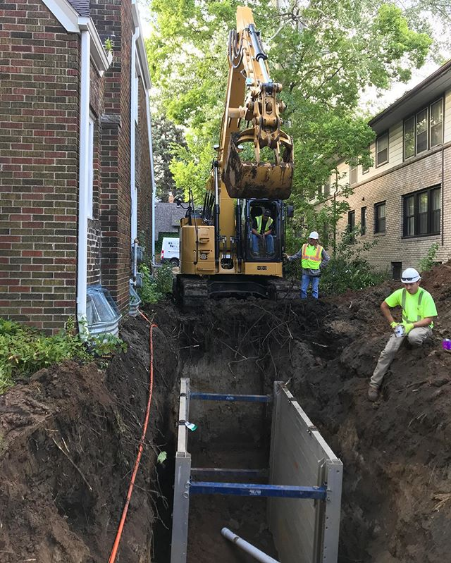 New sewer and water lines being run to our 5-plex addition at our infill job in St. Paul! These guys are surgical with getting powerful equipment in tight spaces. #CroweConstruction #Construction #StPaul #SaintPaul #StPaulMN #NewBeginnings #SiteWork #ConstructionSeason #ConstructionEquipment #NewApartments #FurtherEveryDay #Progress