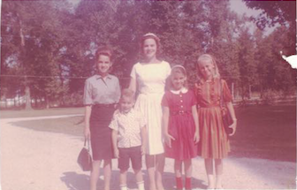 "Rachel, on a rare trip home from the hospital, with her kids ""Mickey"", Eddie, ""Tully"" & ""Glenna"". -"
