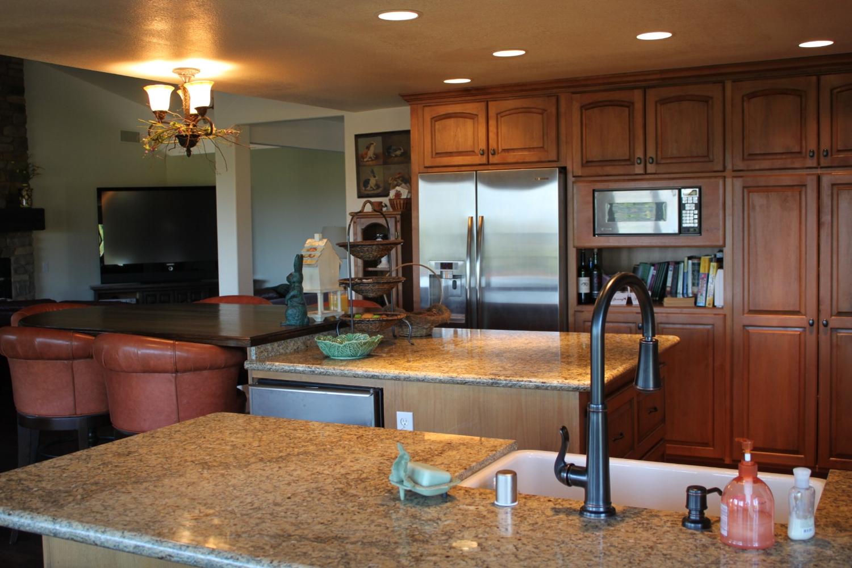 Alternate view of main kitchen