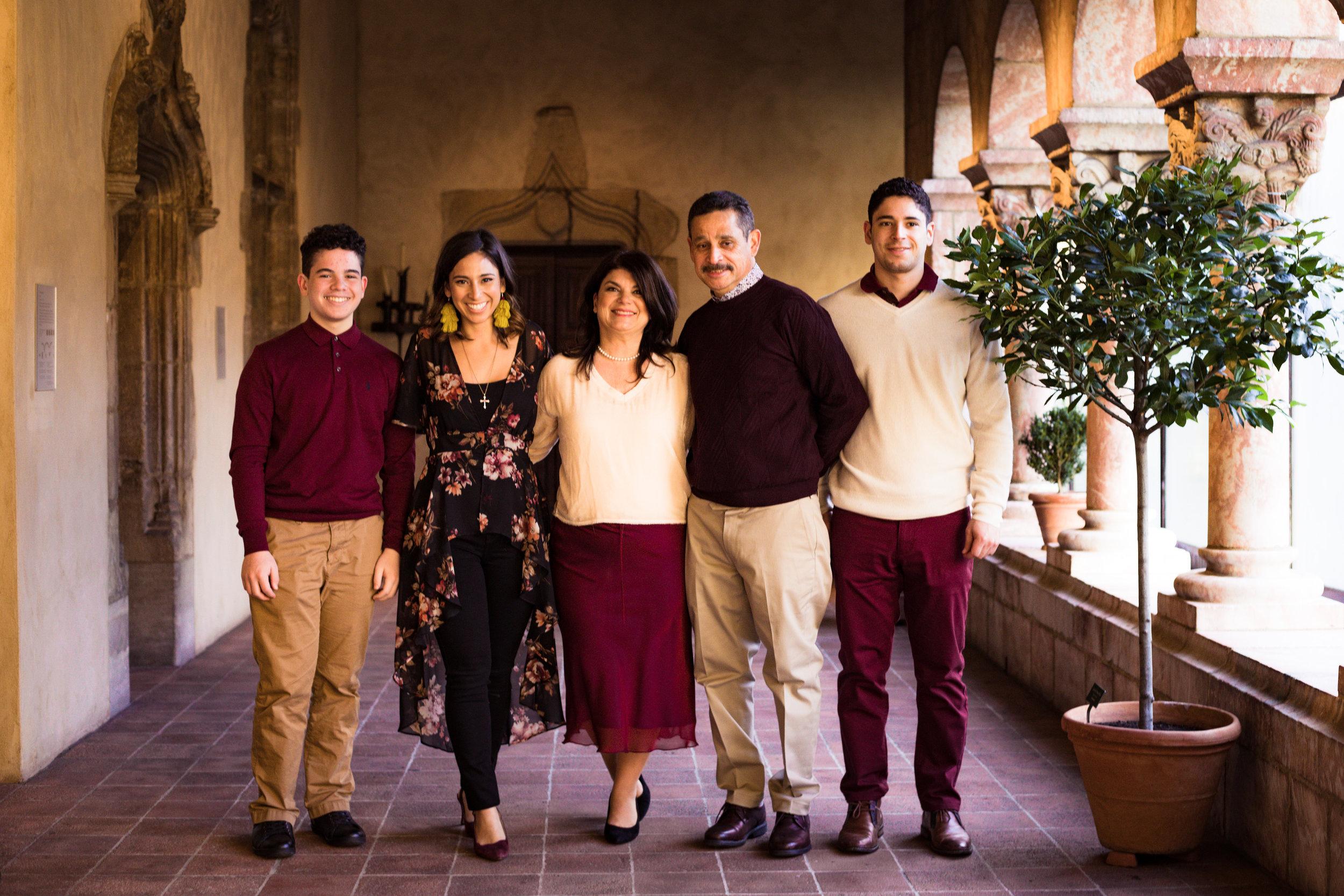 11.23.18 Rodriguez Family-25.jpg