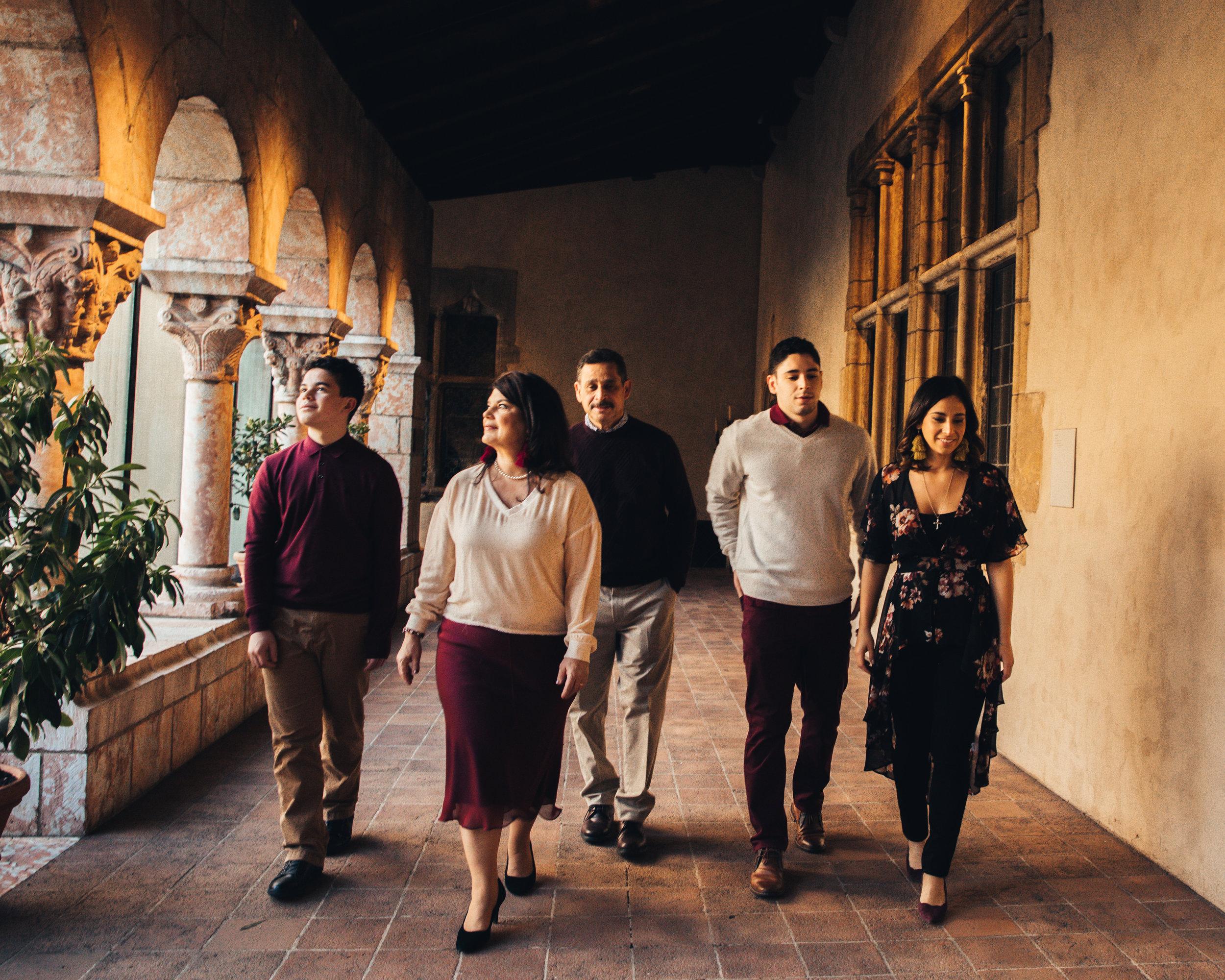 11.23.18 Rodriguez Family-44.jpg
