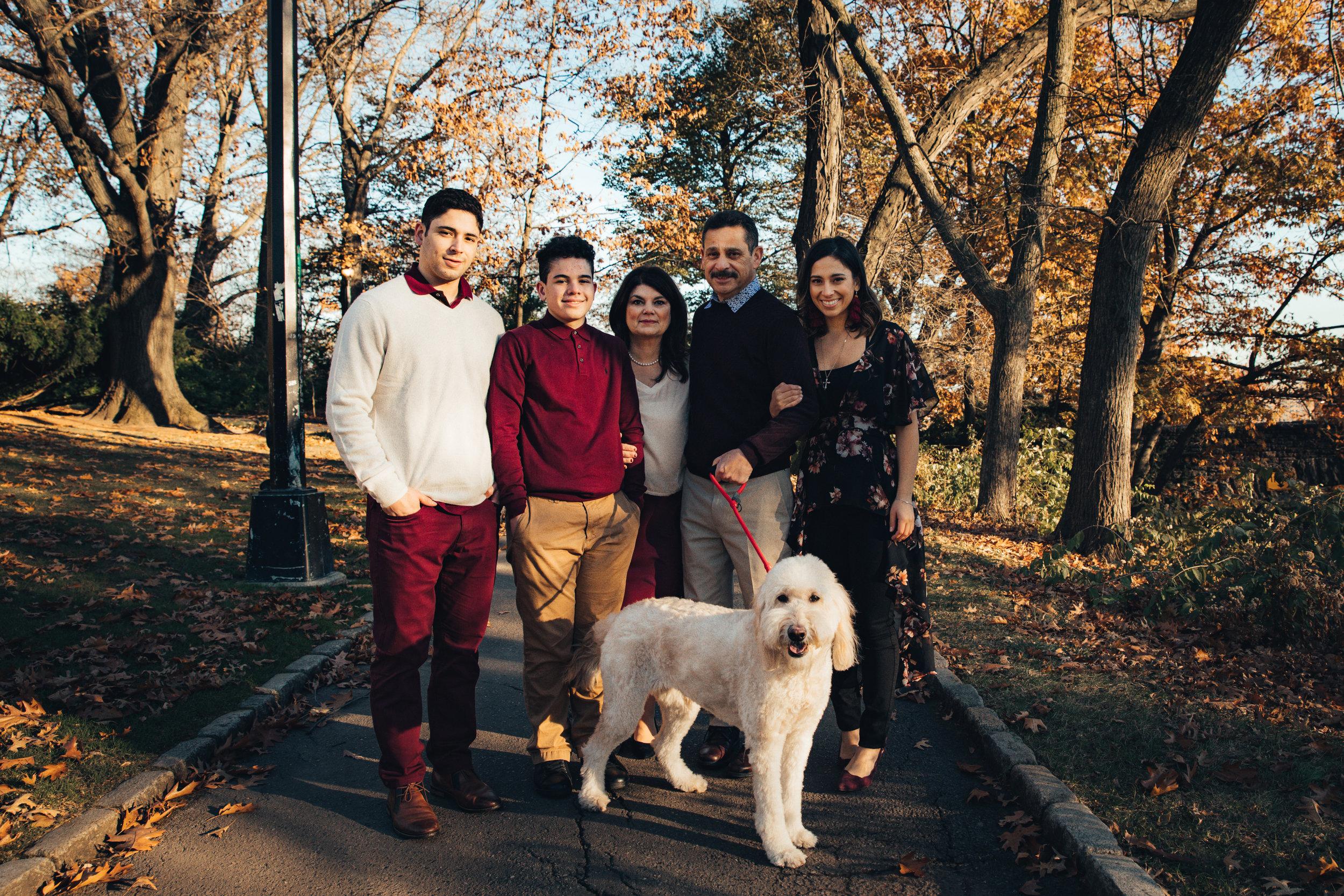 11.23.18 Rodriguez Family-113.jpg