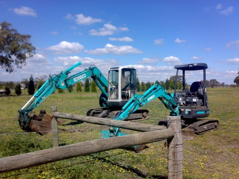 Excavator Hire Macedon Ranges.JPG