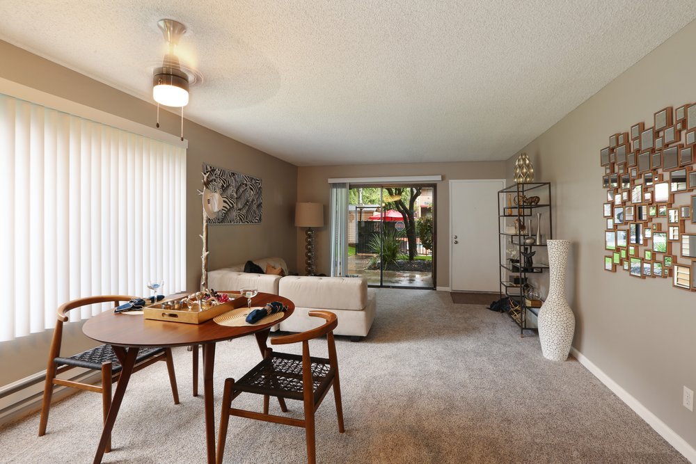 woodchase-apartments-for-rent-san-leandro-ca-94578-dining-room.jpg