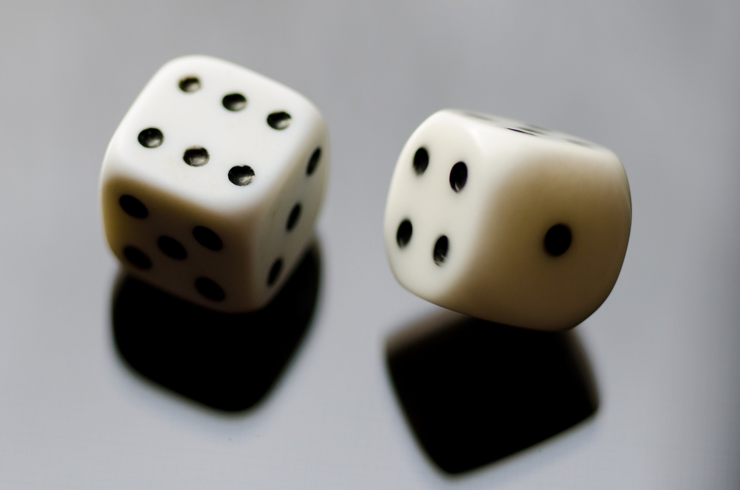He Didn't Get to Vote in His Race. It Tied, Then He Lost by a Roll of the Dice. - Two candidates for City Council in Hoxie, Ark., the challenger Cliff Farmer and the incumbent Becky Linebaugh, each rolled a die in the tiebreaker on Thursday for their runoff election.