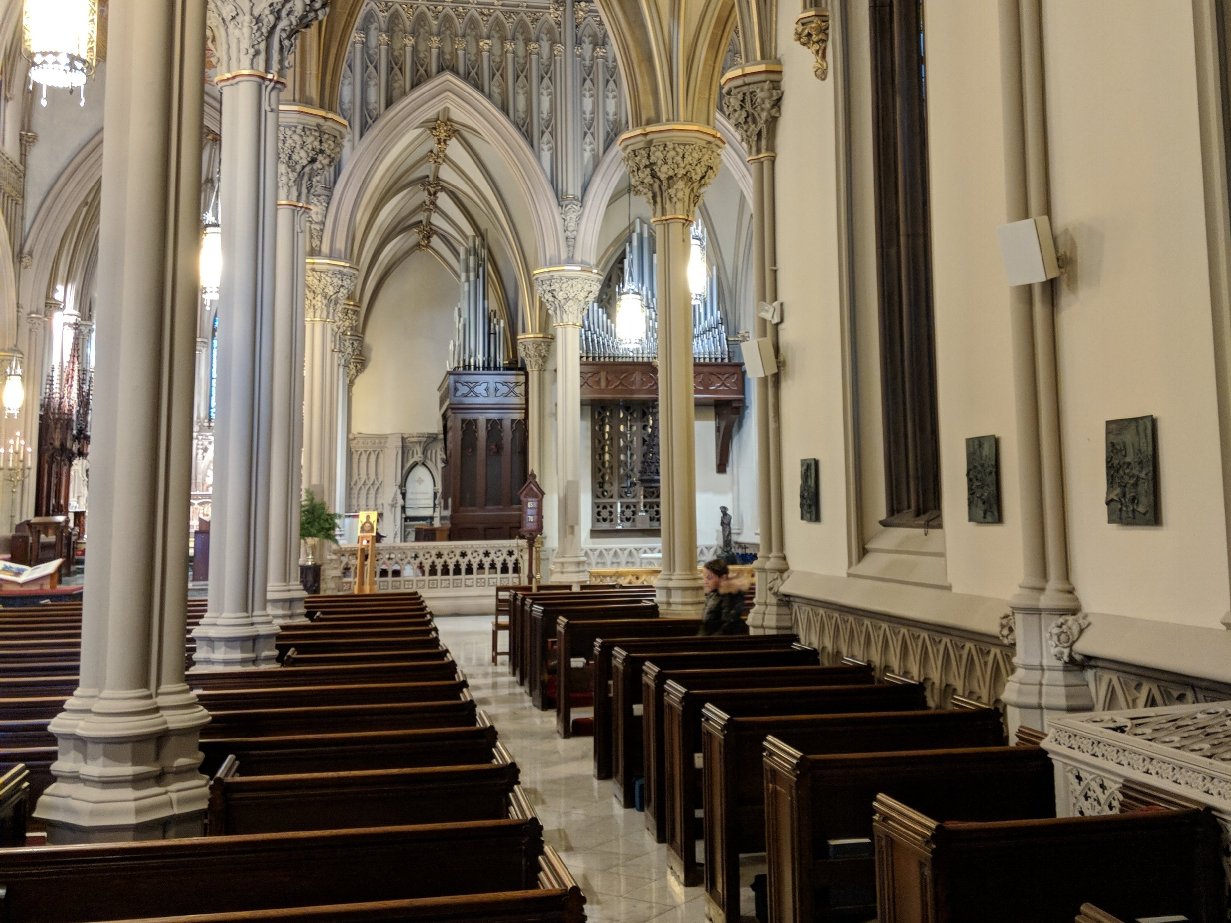 CAMM DT-200 speakers provide coverage for individuals in the Cathedral's Nave.