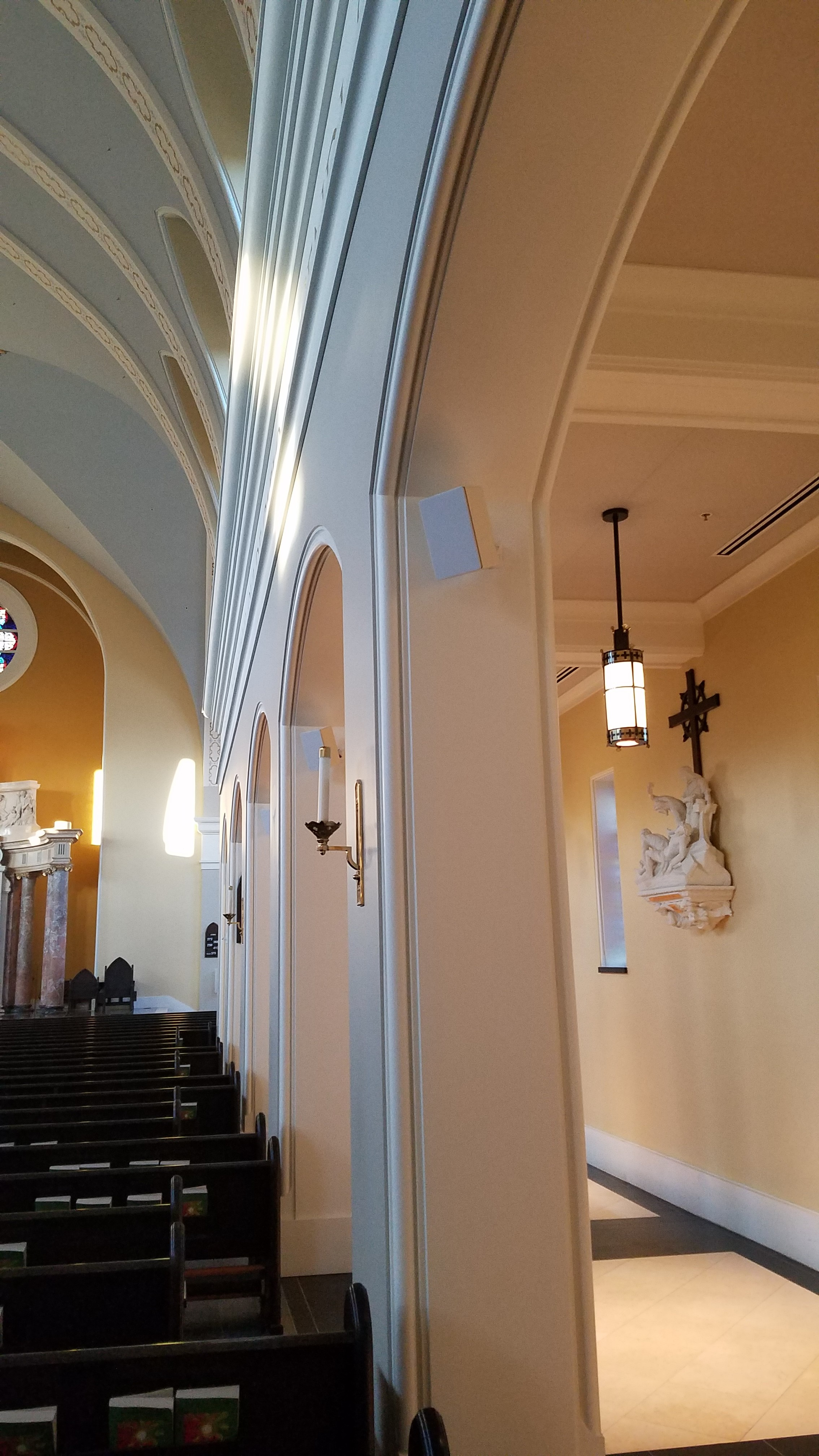 CAMM DT-200 speakers are used to provide audio in the nave.