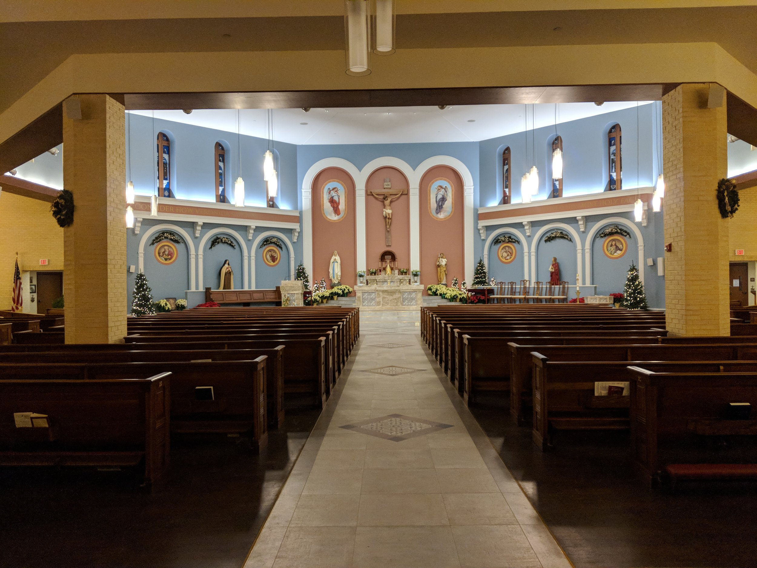 CAMM DT-200 speakers provide audio coverage in the rear of the church. Line array speakers provide coverage in the front pews and DT-1 monitor speakers provide coverage in the sanctuary.