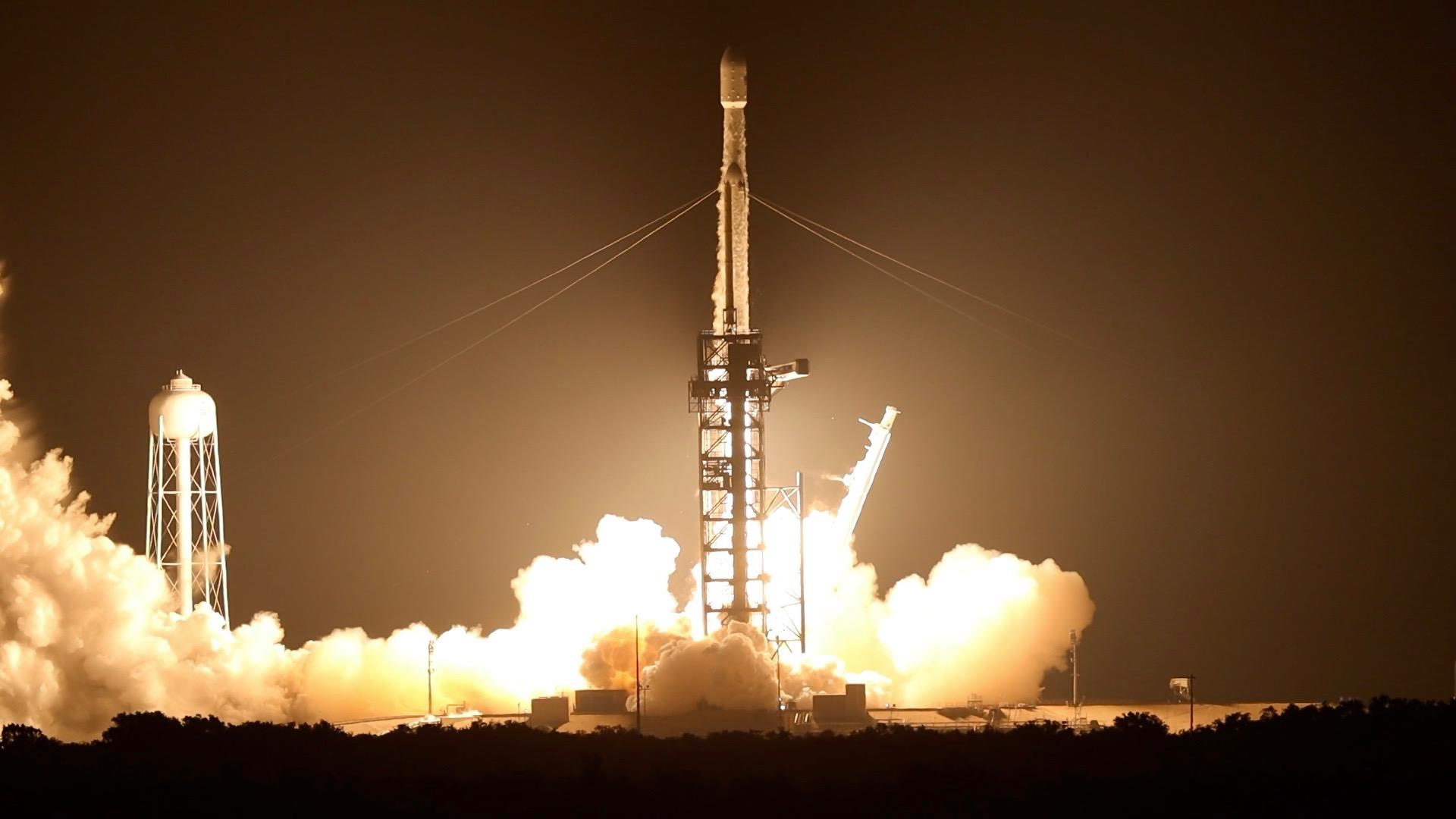 STP-2 SpaceX Falcon Heavy Launch  Image courtesy of Peter Van Delden