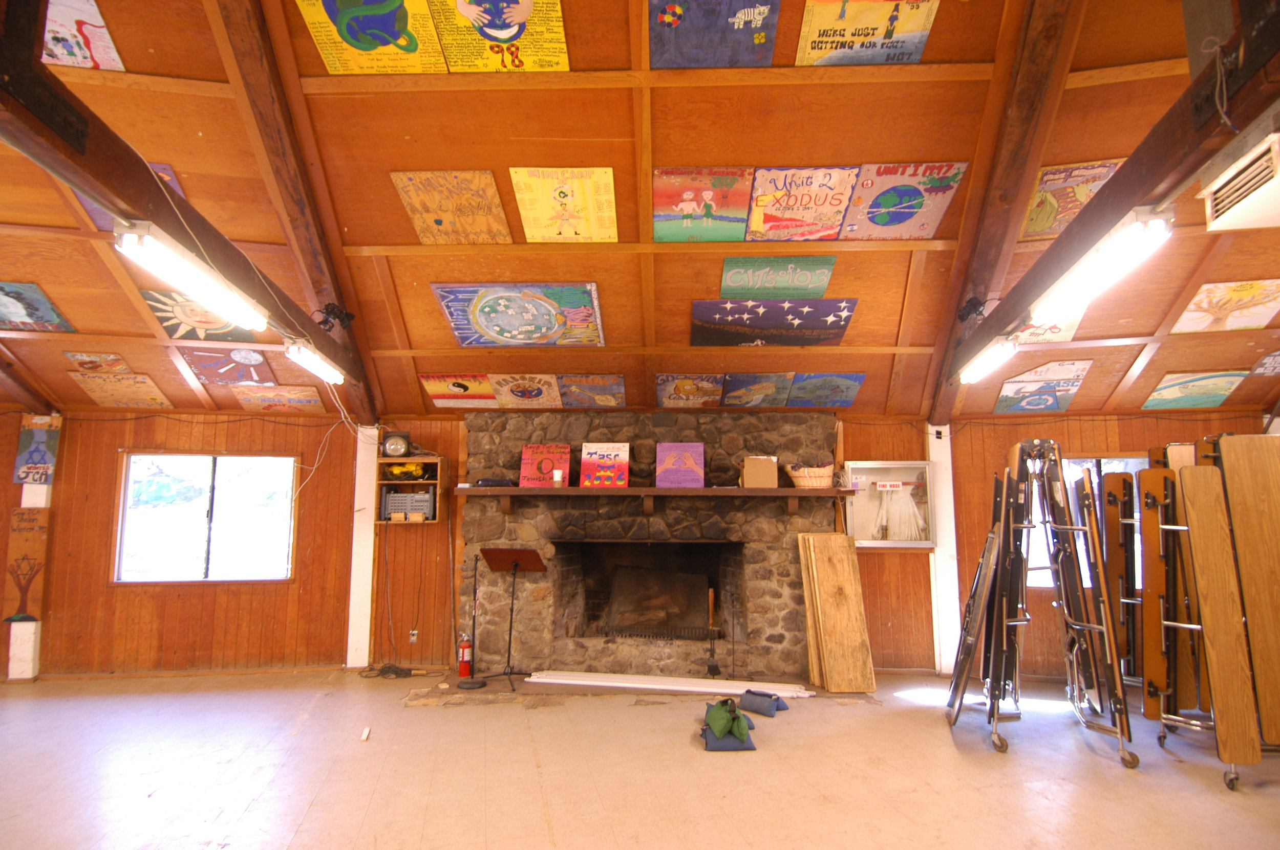 INTERIOR FIRE PLACE.JPG