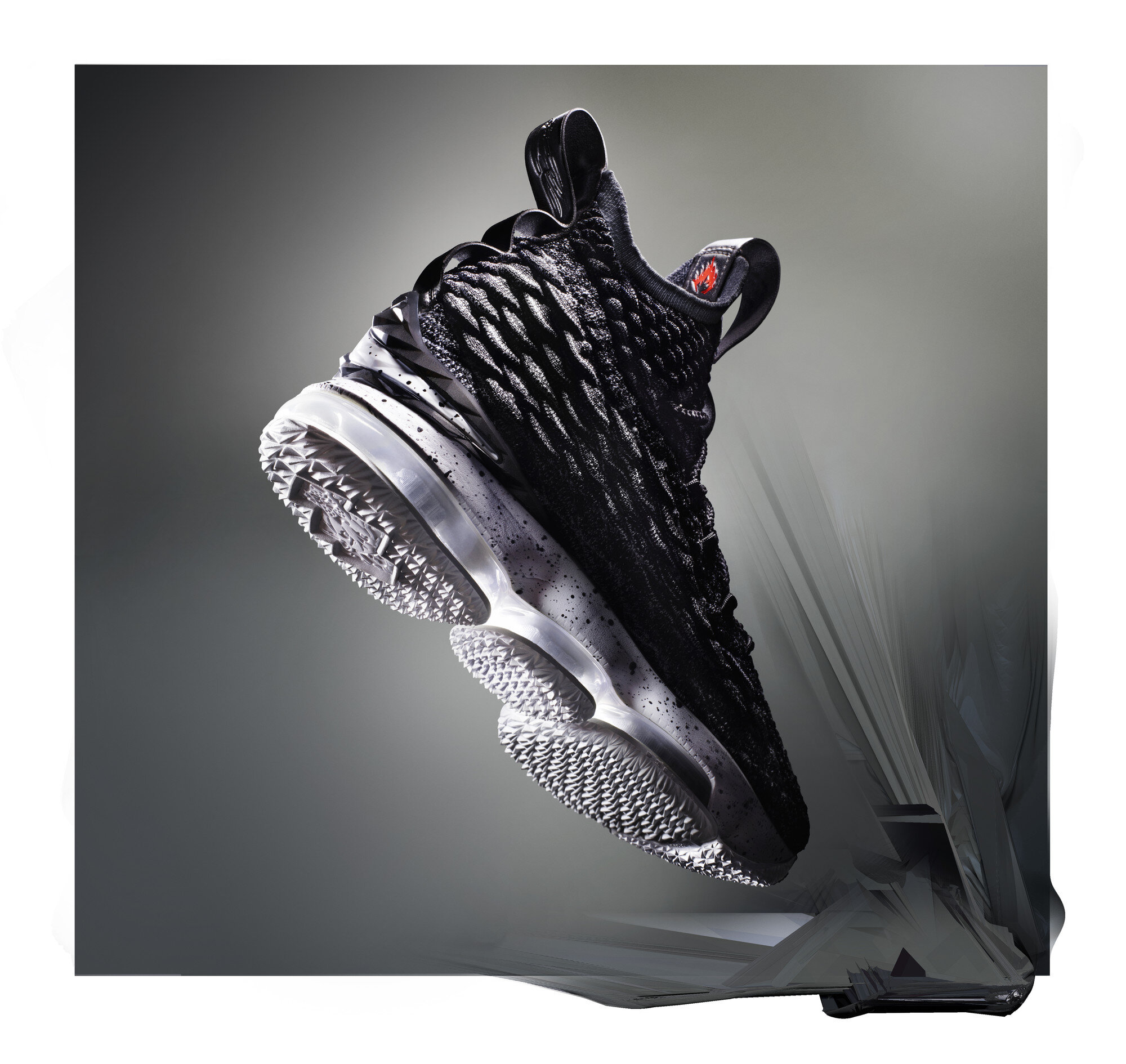 Ho17_BB_LeBron15_897648-002_Ashes_Hero_FTWR_105.jpg