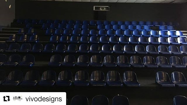 #Repost @vivodesigns ・・・ Something beautiful of the empty seats and silence of a theater. This beauty was found during our Township tour!⠀⠀⠀⠀⠀⠀⠀⠀⠀ ⠀⠀⠀⠀⠀⠀⠀⠀⠀ #SIAAbroad #arts #CGU #ArtsManagement #GradProgram #Travel #SouthAfrica #CapeTown #History #PerformingArts #Township