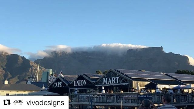 #Repost @vivodesigns ・・・ Art is constantly around us! Even mother nature felt inspired and made this beauty wrapped around Table Mountain! Observe your surroundings because art is everywhere and anywhere! ⠀⠀⠀⠀⠀⠀⠀⠀⠀ ⠀⠀⠀⠀⠀⠀⠀⠀⠀ #SIAAbroad #arts #CGU #ArtsManagement #GradProgram #Travel #SouthAfrica #CapeTown #TableMountain #MotherNature