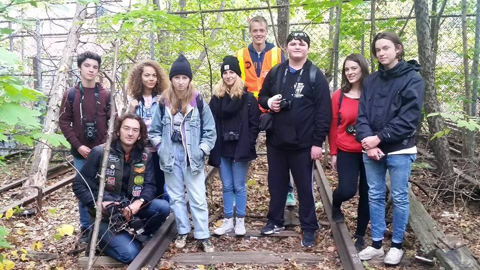 Instructors John Sanderson (second from left) and Janina McCormack (second from right) with students in the field