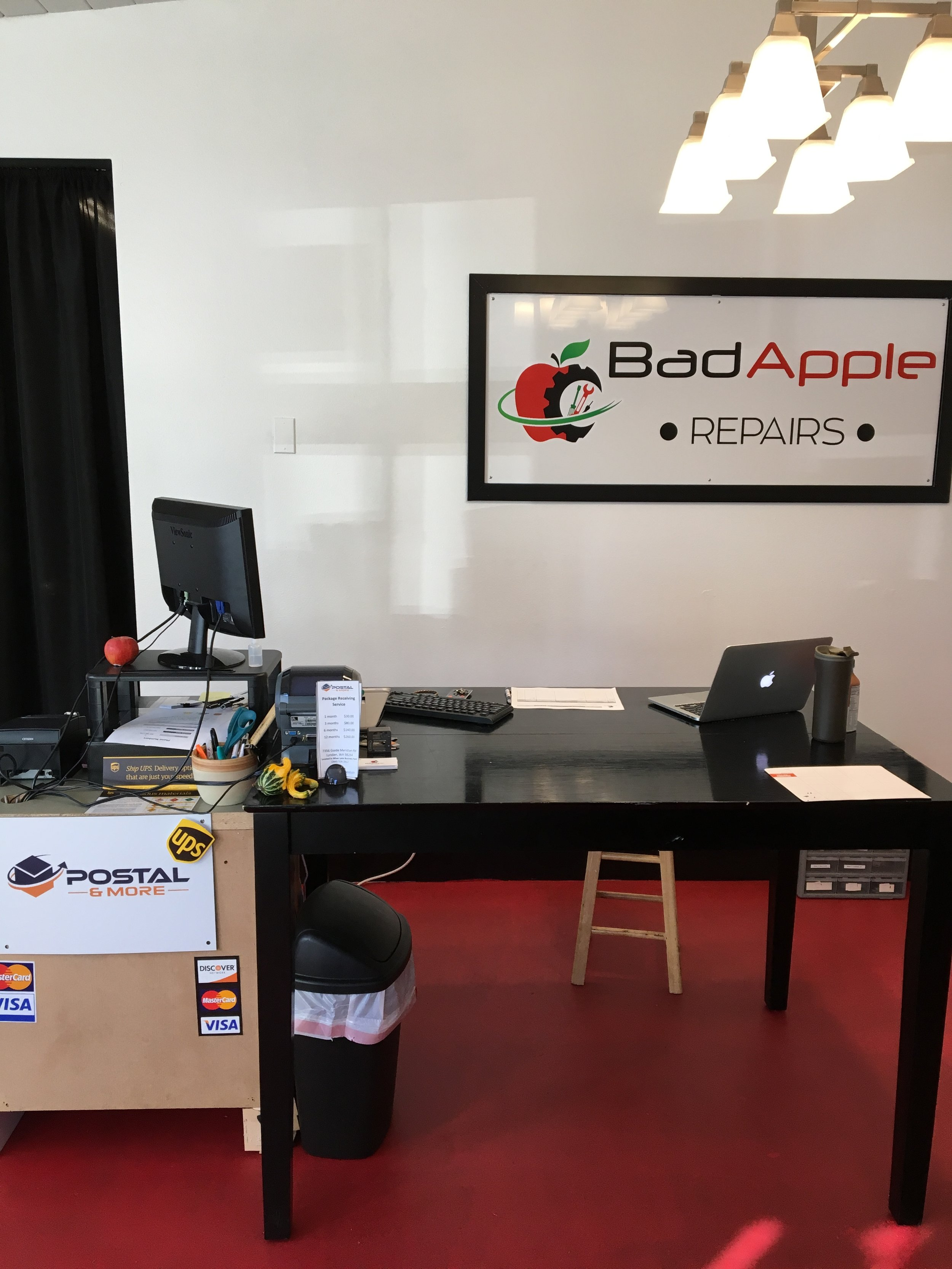 BadApple Repairs Lobby