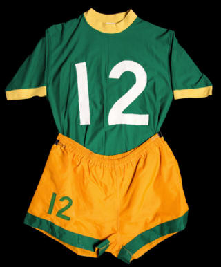 Image courtesy of  NASLjerseys.com .