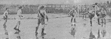 Brooklyn Wanderers beat the Giants 3-1 on New Year's Day 1927. (Image courtesy of  Covehurst.net )