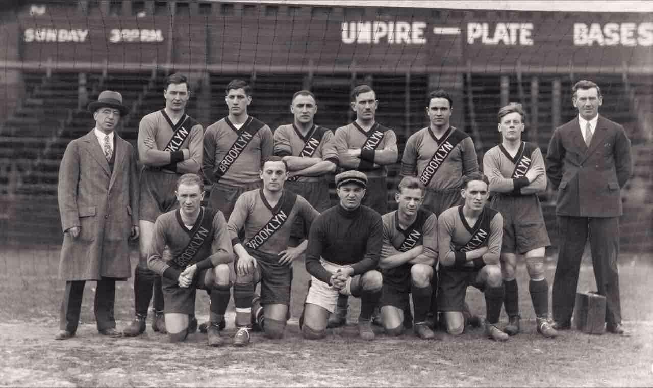 the-brooklyn-wanderers-soccer-team-flb-1125-1481218788.jpg