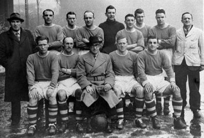 The Liverpool FC squad that crushed the Maroons in 1946.