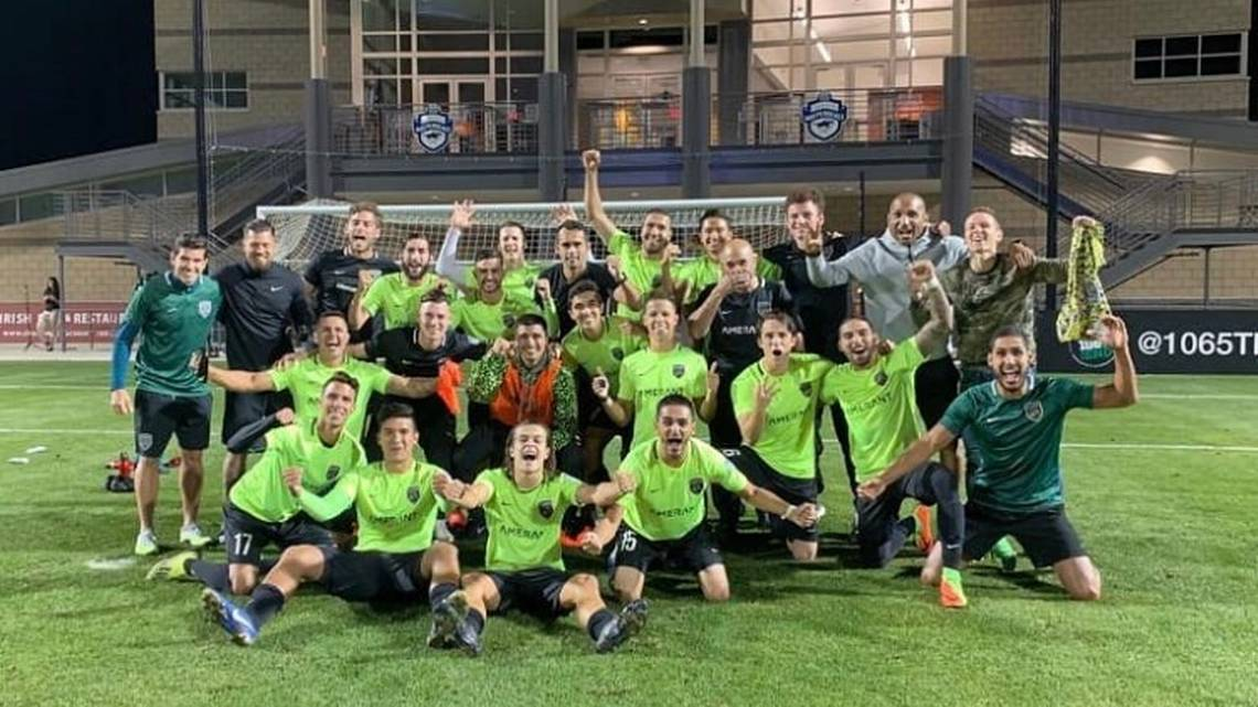 FSS celebrate after the win in Charlotte. Photo courtesy of Florida Soccer Soldiers.