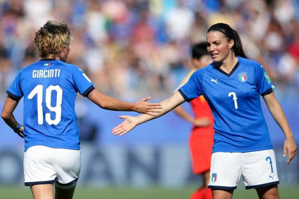 Valentina Giacinti and Alia Guagni, teammates for Italy in the World Cup, were once teammates in Seattle for OSA