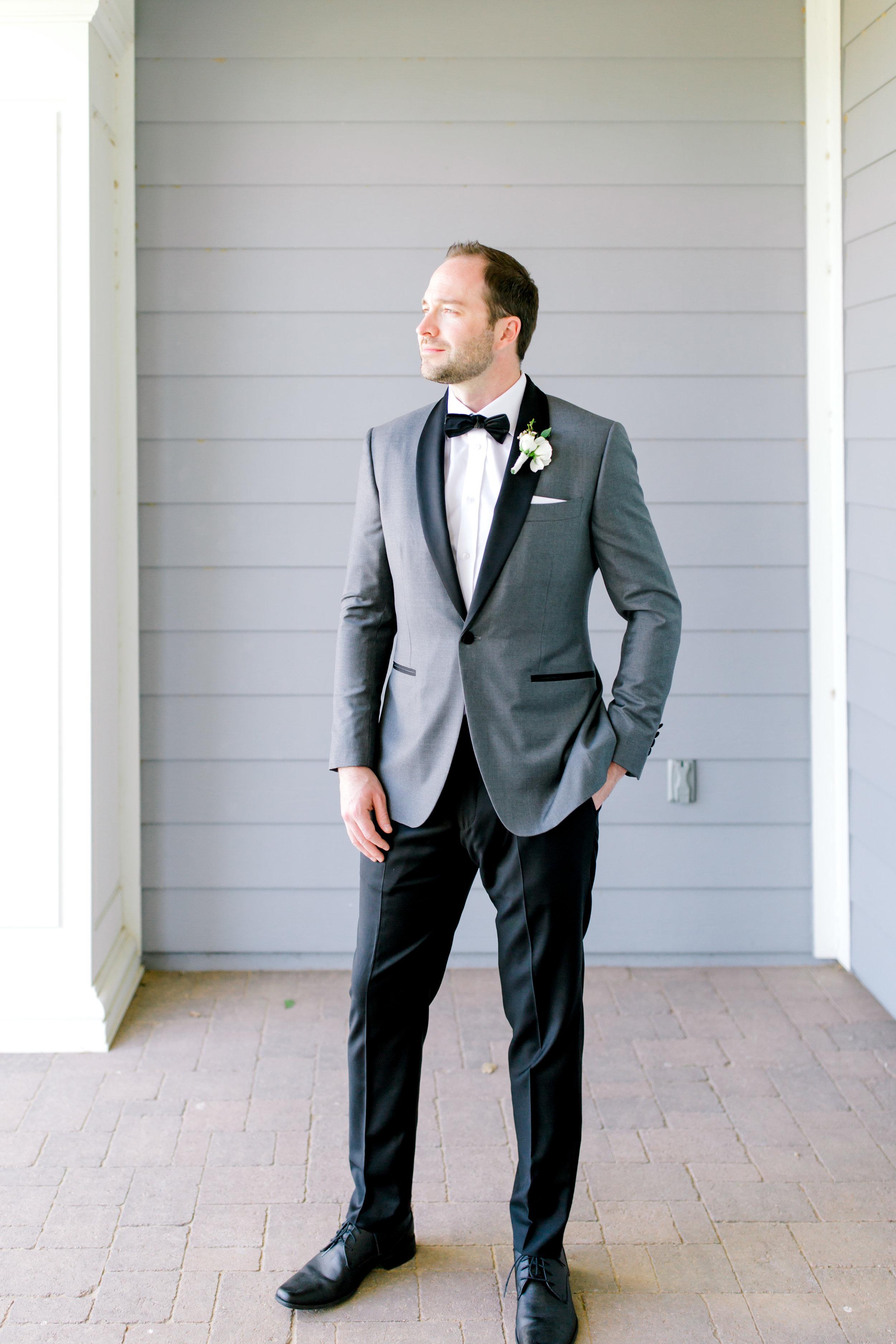 Blush and white backyard wedding - Groom Portrait