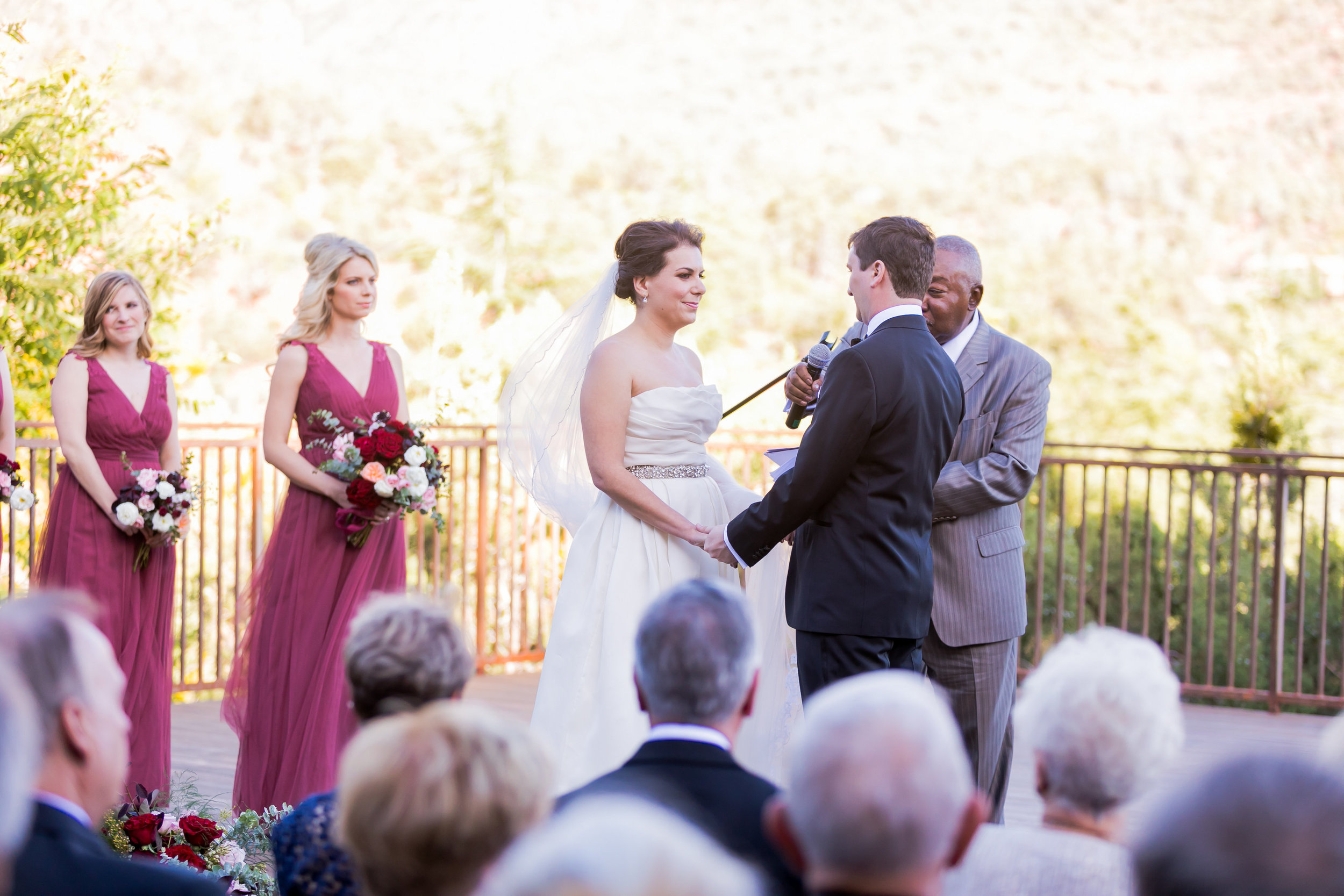 L'auberge de sedona - burgundy and blush wedding