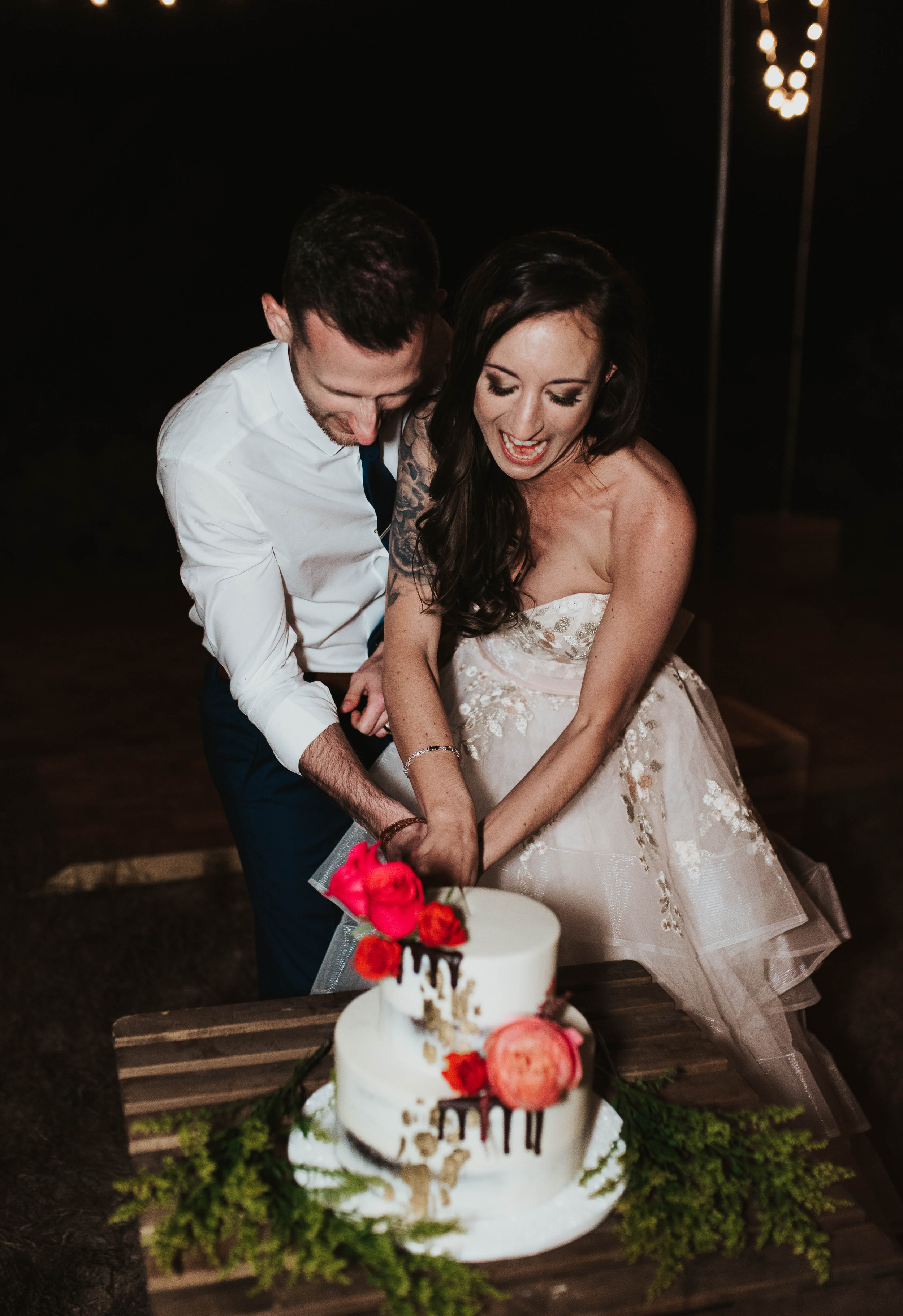 Desert Wedding at Tela Peralta - Arizona florist Phoenix scottsdale Mesa chandler Sedona Flagstaff Prescott - Cake Cutting