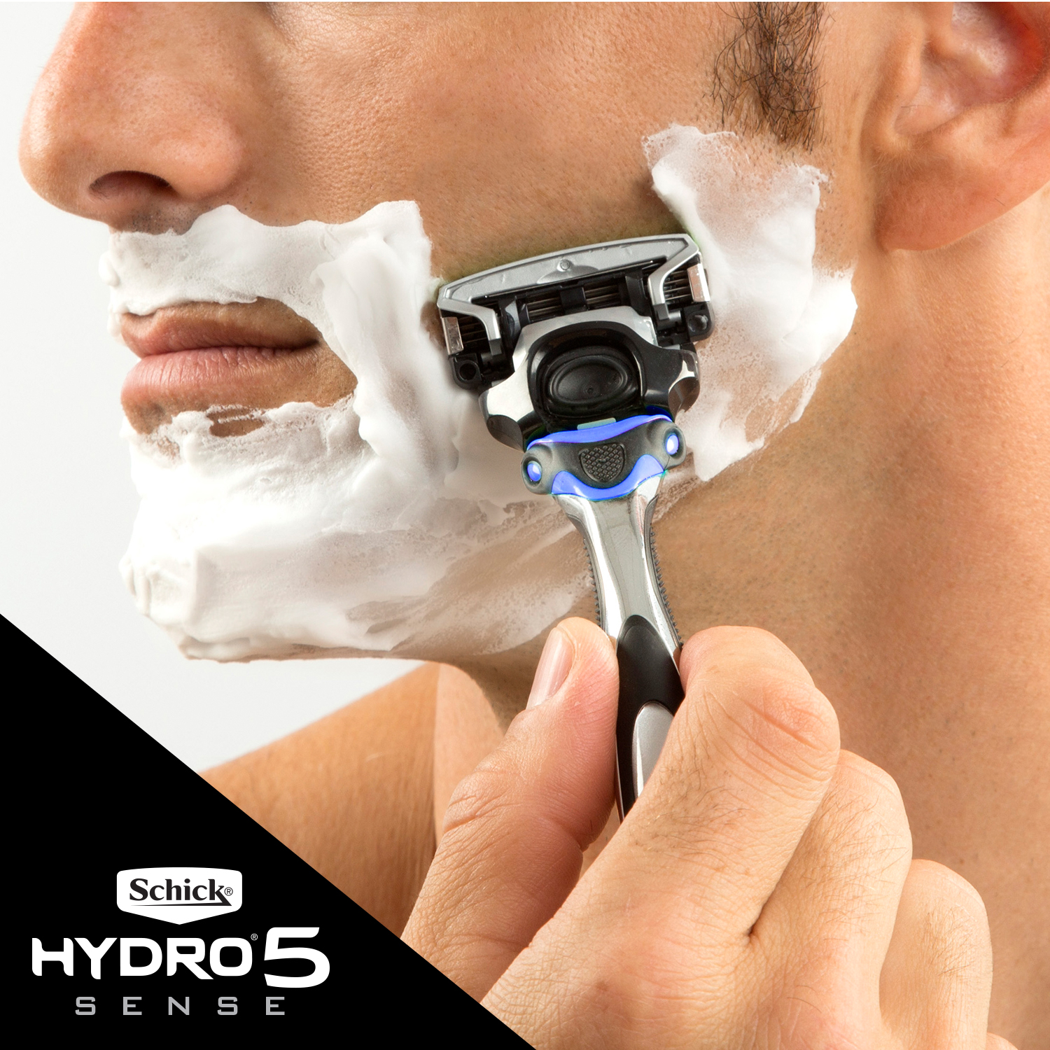 EPC_1226941_CP_MShave_Hydro5_Amazon_HYDRATELifestyle_use_3_B.jpg