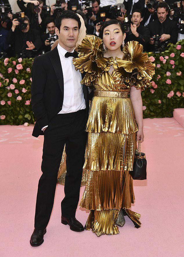 Tom Ford y Gemma Chan