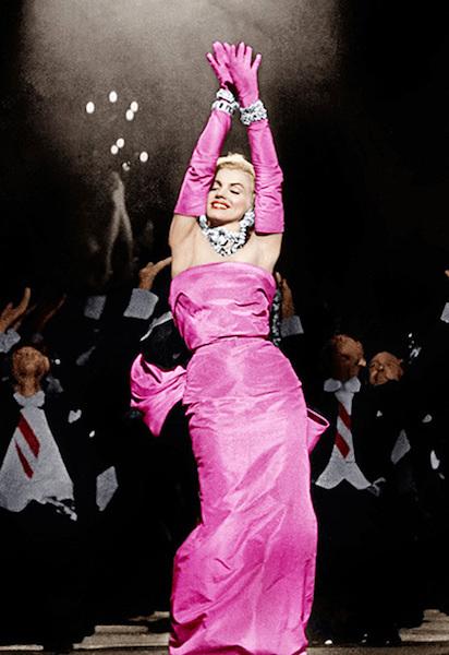 Marilyn Monroe Vestido Rosa.jpg