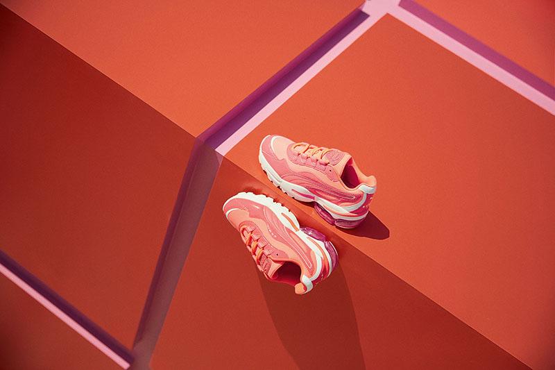 Sneakers Puma-x-Cara-Delevingne-Cell-Stellar-Neon-03.jpg