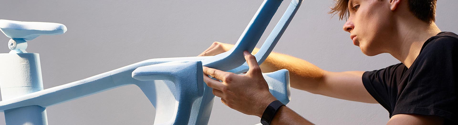 Curventa - crafting - blue foam modelling - prototype - craftsmanship - form exploration