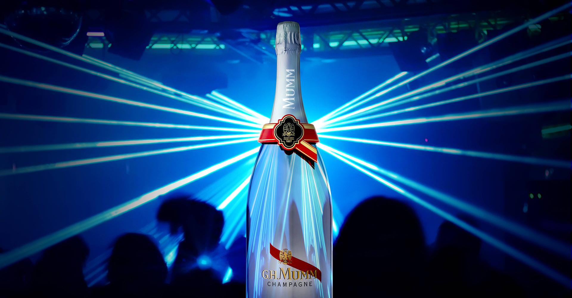 G.H.Mumm - connected bottle - marketing shot - club - laser effect - spotlight on you