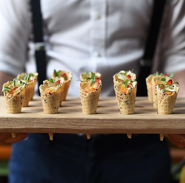 Such a delicious vegetarian canapé.....slow roast sweet potato, kimchee yoghurt, spring onions, coriander & shredded radish.......served in our bespoke oak trays made by our awesome carpenter Peyo......photograph by the amazing @thegaztronome  #vegetarian #canapé #canapés #event #events #eventdesign #eventplanner #kimchee #sweetpotato #timsdairyyogurt